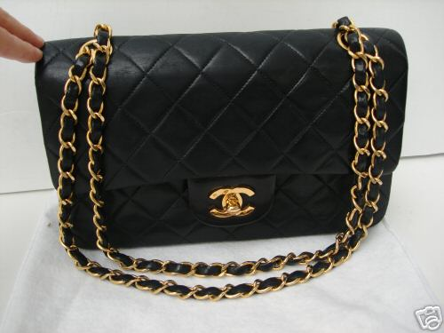 Fashion Staple #1 : black chanel quilted bag - Adamdwight.com